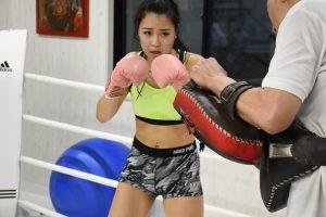 キックボクシング女子