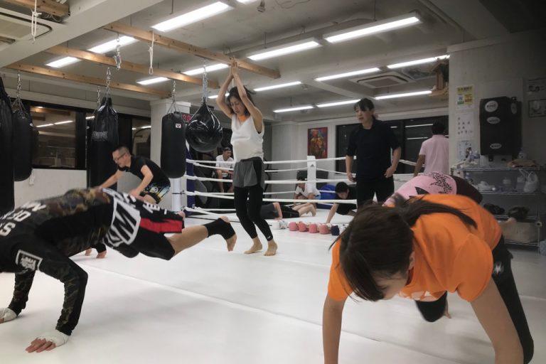 花粉症改善にキックボクシング!!