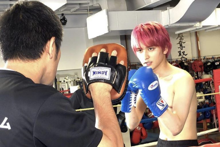 ドラマのボクシング指導を依頼される本格的指導力☆