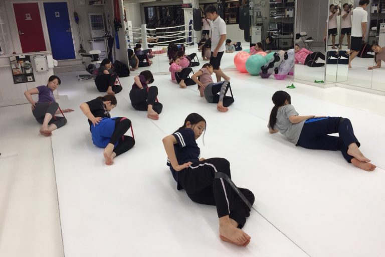 キックボクシングと筋トレと有酸素運動で痩せる体を手に入れましょう!!
