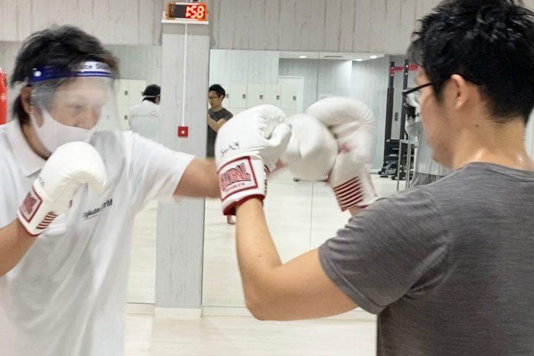 キックボクシングのテクニックも学びましょう!!