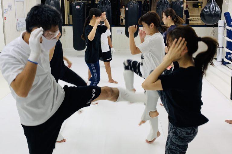 暑さに負けずにキックボクシング!!
