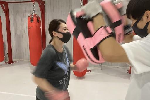 キックボクシング女子増えてます!