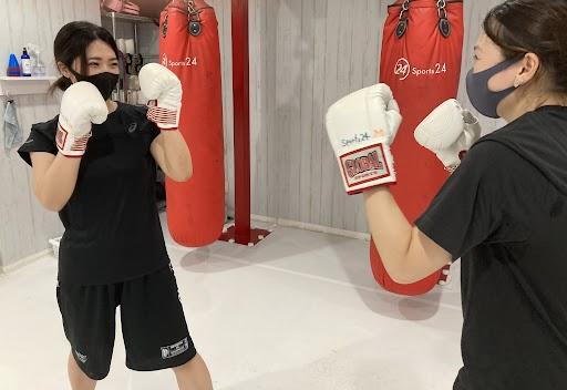 キックボクシングで腹筋を割ろう!